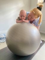 Babypilates, babytummel og børnefysioterapi